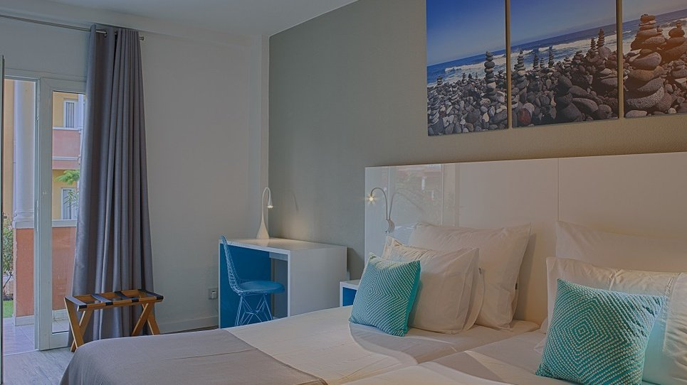 УБОРКА  В НОМЕРАХ Hotel Coral Compostela Beach Golf